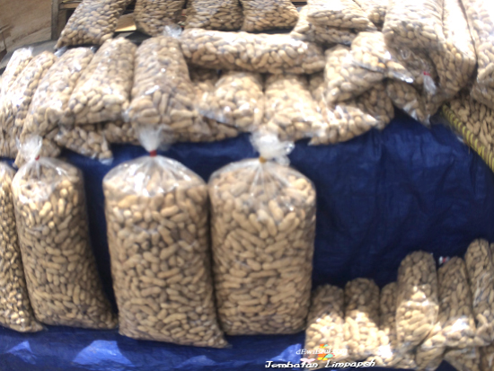 kacang goreng BKT, Makanan wajib dibeli, jika Ke bonbin Bkt