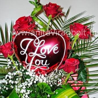 5 szál vörös rózsa kozepes sziv lufi Valentinre