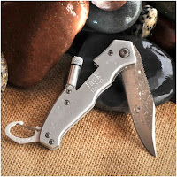 Personalized Lockback Klondike Knife with Flashlight