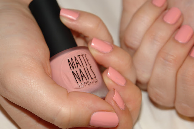 NAILS: Topshop Candy Fox, nail polish, nails, Topshop, fox, pink, NOTD, beauty fashion blogger, UK blog