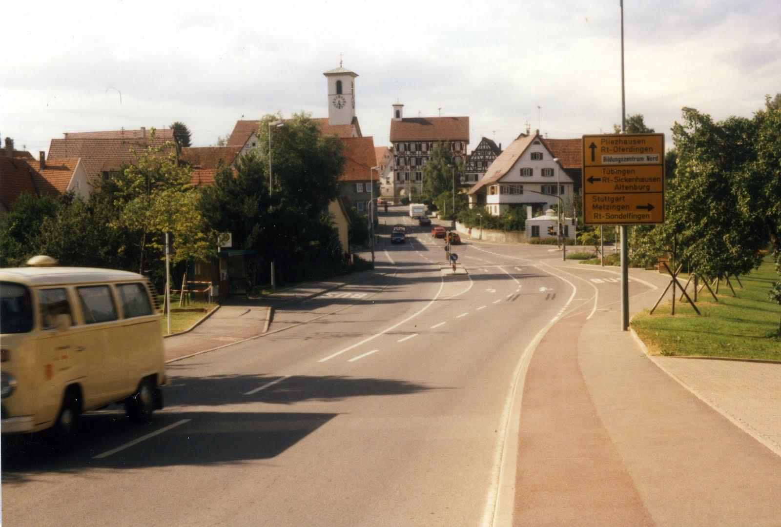 so weit weg - Franzsisch-bersetzung - babla Deutsch