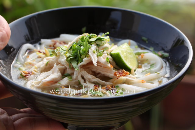 Table for 2 or more khao piak sen lao tapioca noodles in table for 2 or more khao piak sen lao tapioca noodles in chicken broth indochina aff lao food 3 forumfinder Image collections