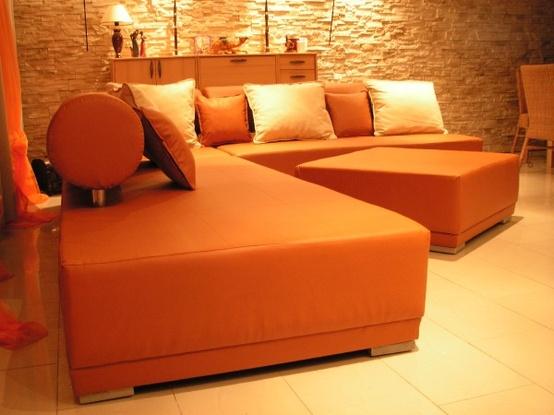 Decoración de Salas de color Naranja  Cómo arreglar los Muebles en
