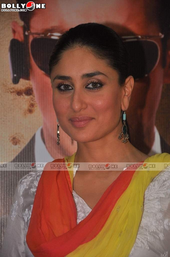 Kareena Kapoor in Suit at BODYGUARD Movie Event