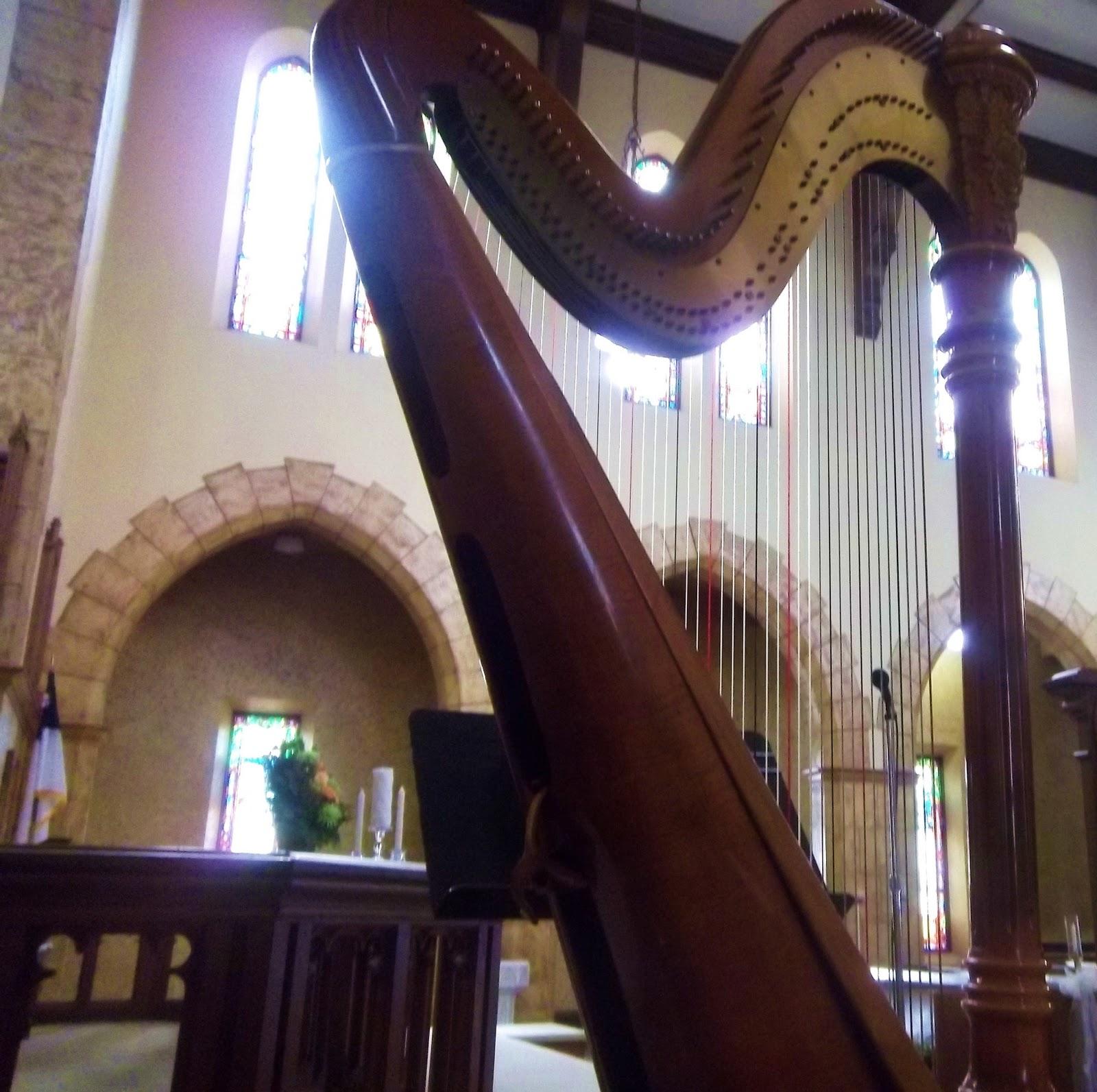 http://3.bp.blogspot.com/-E7WhQJb7BUw/Ttj-giUhaVI/AAAAAAAABKA/diaMNDchG8I/s1600/Ohio_Memorial_Chapel_Tiffin_Wedding_Harpist.JPG