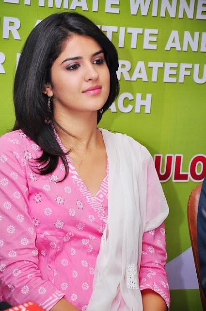 Deeksha Seth In Pink Sunshine Kebabs Event