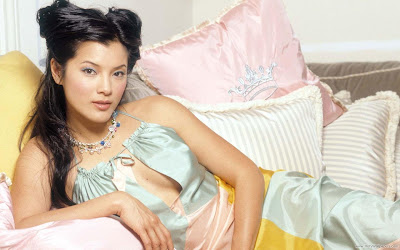 Kelly Hu Glamorous HD Wallpaper