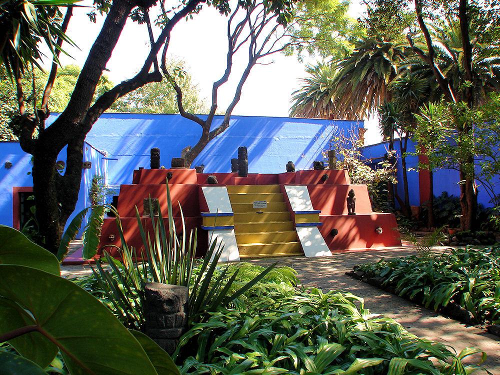 home garden la maison de frida kahlo mexico. Black Bedroom Furniture Sets. Home Design Ideas
