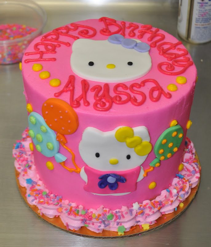 Birthday Cake Pictures Hello Kitty : Leah s Sweet Treats: Hello Kitty Birthday Cake