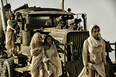 Mad Max, Fury Road, George Miller, Brendan McCarthy, Tom Hardy, Mad, Max, Rockatansky, Charlize Theron, Imperator Furiosa, Nicholas Hoult, Nux, Hugh Keays-Byrne, Toecutter, Immortan Joe, Josh Helman, Slit, Nathan Jones, Rictus Erectus, Zoë Kravitz, Toast the Knowing, Rosie Huntington-Whiteley, Transformers, Michael Bay, The Splendid Angharad, Riley Keough, Capable, Abbey Lee, The Dag, Courtney Eaton, Cheedo the Fragile, John Howard, The People Eater, Richard Carter, The Bullet Farmer, Iota, The Doof Warrior, Angus Sampson, Road Warrior, Beyond Thunderdome, Mel Gibson, Australia, geekmehard, geek me hard, test, trailer, critique, avis, comic-book, comics, film, chronique, article