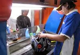 Peluang Bisnis Usaha Cuci Helm