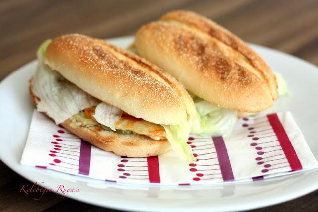 hellim peynirli sandviç yapımı