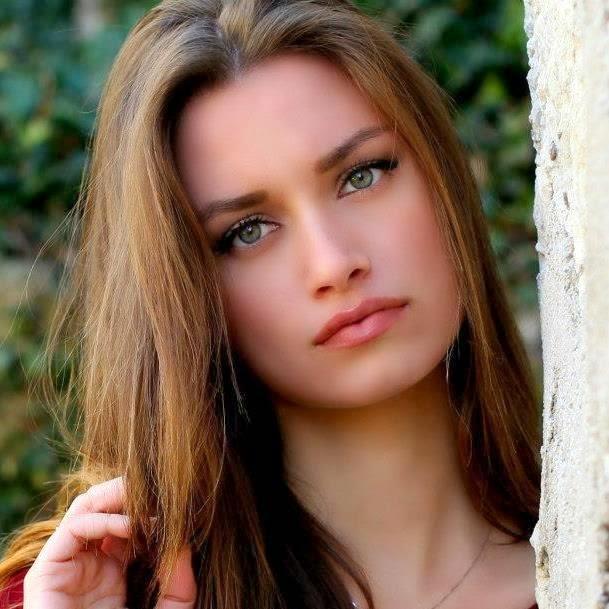 Beautiful & HoT Girls Wallpapers: Italian Girls