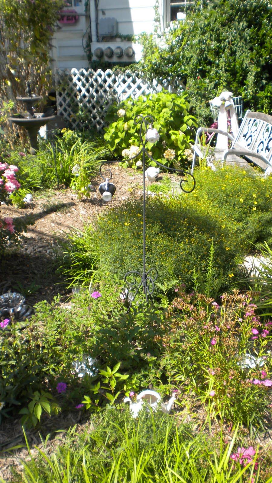 Rosemary 39 S Sampler August 2011
