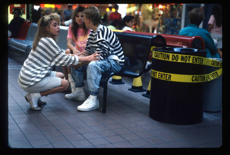 Vintage Everyday Pictures From Malls Across America In 1989