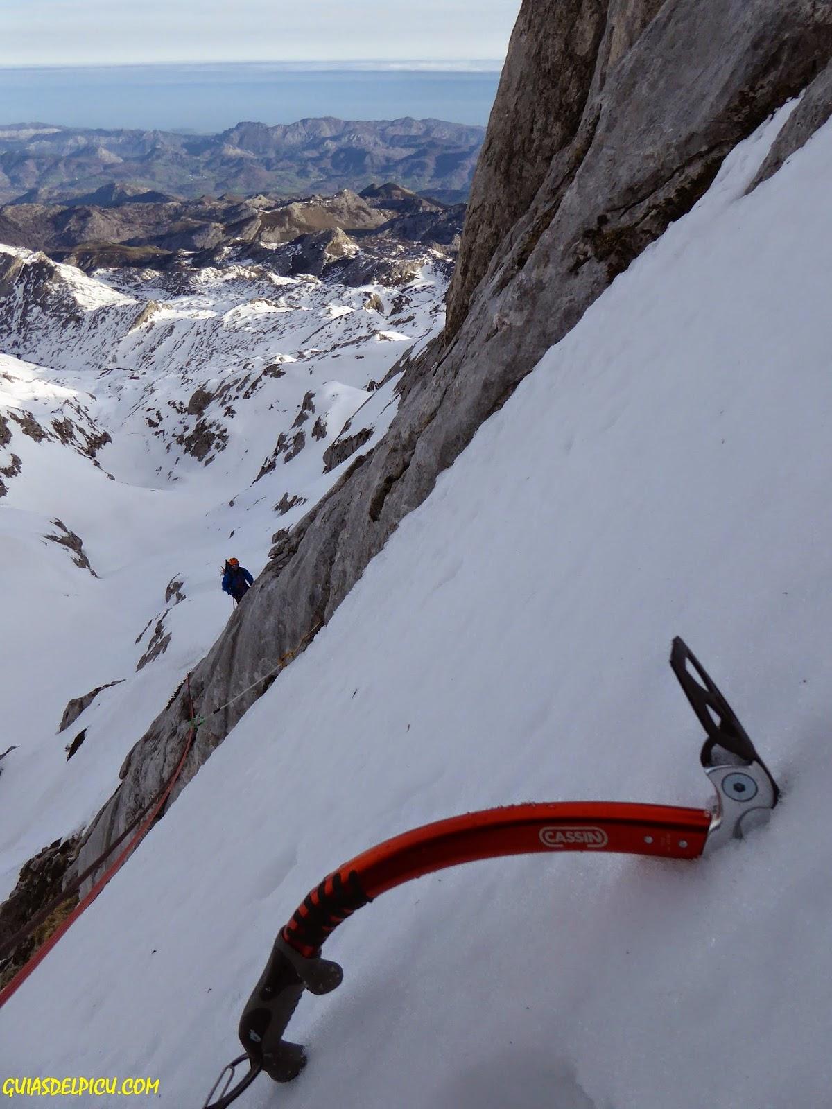 cassin x all mountain, fernando calvo guia de alta montaña