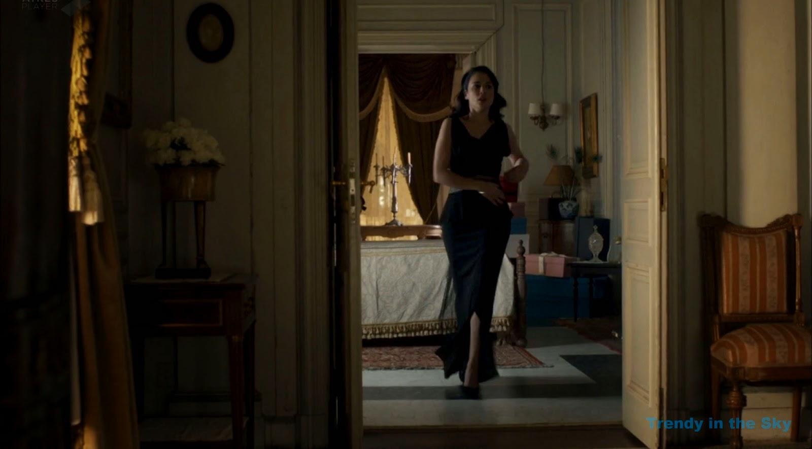 Sira Quiroga vestido negro. El tiempo entre costuras. Capítulo 10
