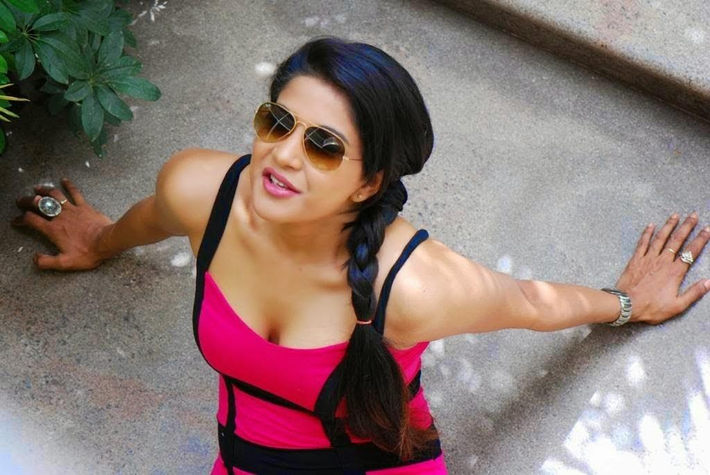 Sakshi Hot and Sexy Photos