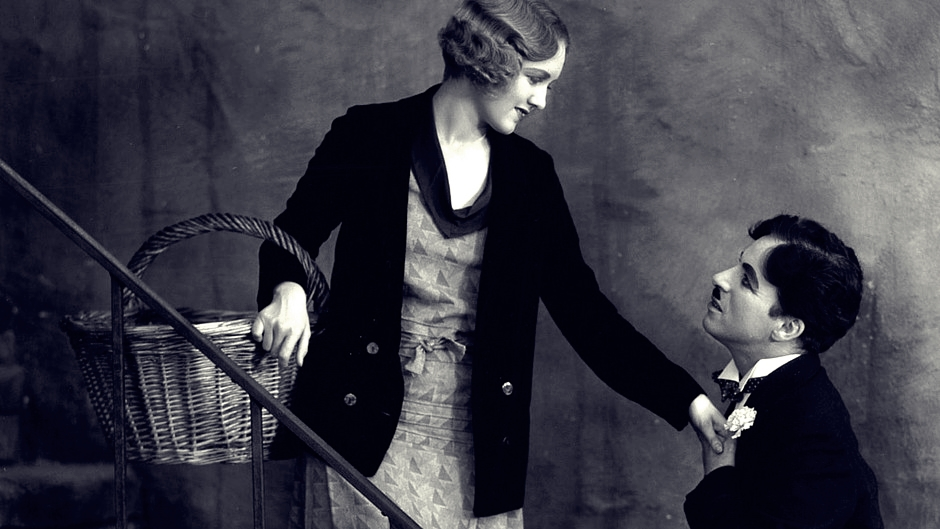 a review of behind the screen a film by charlie chaplin Short movie an overwhelmed set dresser (charles chaplin) at a film studio helps a young woman charlie chaplin – behind the screen 1916.