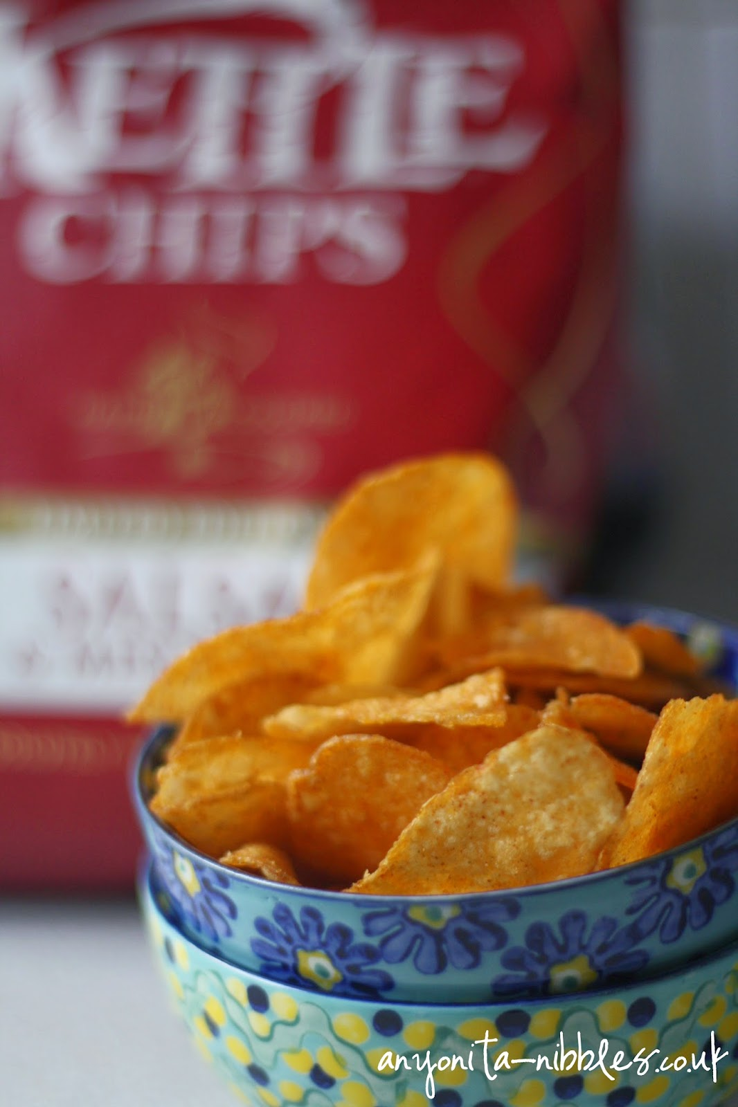 The strong paprika flavour of these Salsa & Mesquite Kettle Chips makes them ideal for Christmas parties from Anyonita-nibbles.co.uk