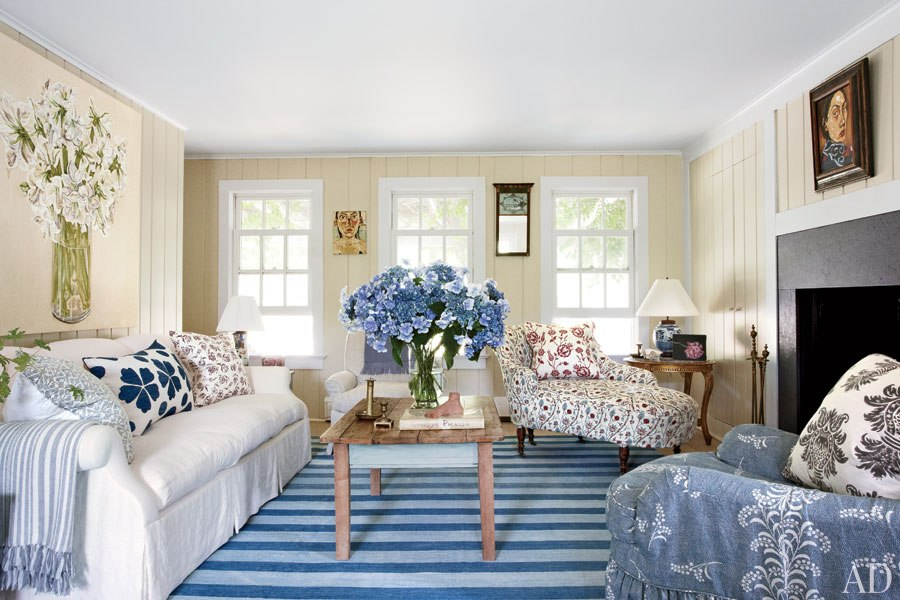 New home interior design anh duong renovates her rustic for Hamptons decor