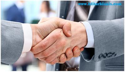 suatu kerjasama di bidang bisnis tertentu antara pemilik brand dengan calon rekanan dengan Apa Itu Waralaba? Pengertian Waralaba