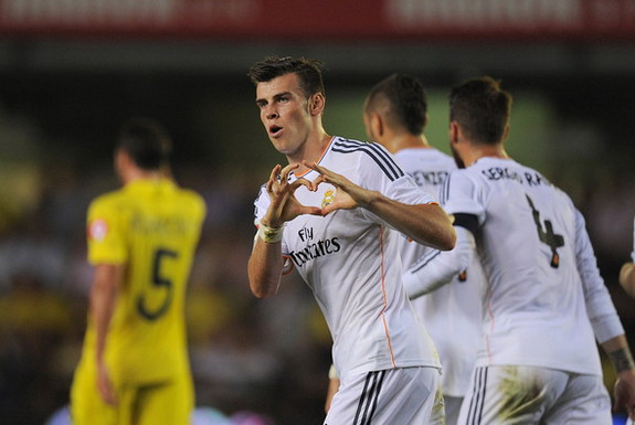Gareth Bale celebrates after scoring Real Madrid's first goal against Villarreal