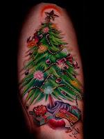 As 10 tatuagens mais loucas de natal
