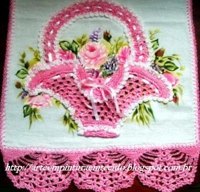pintura em tecido pano de prato crochê com rosas