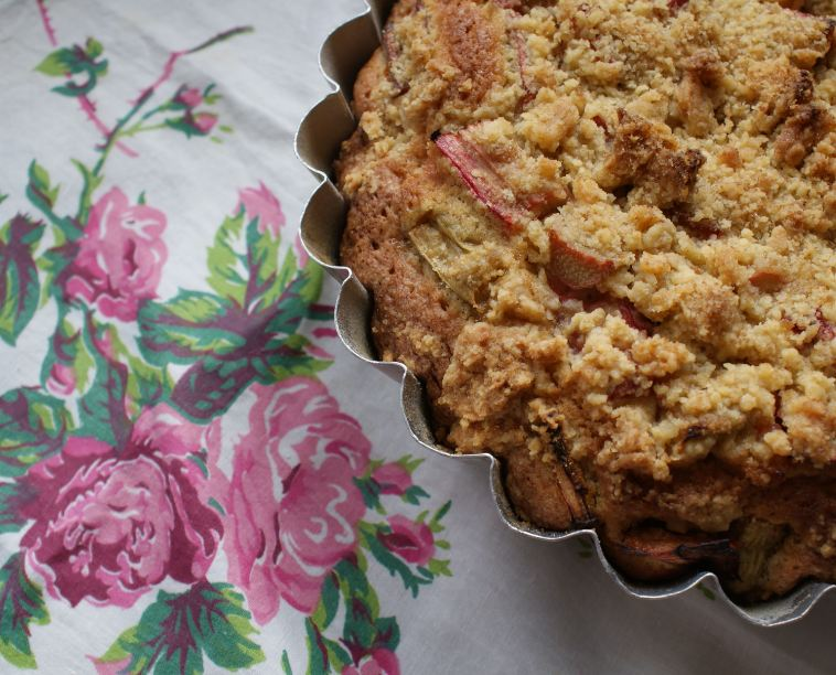 Easy Plum Crumble Cake