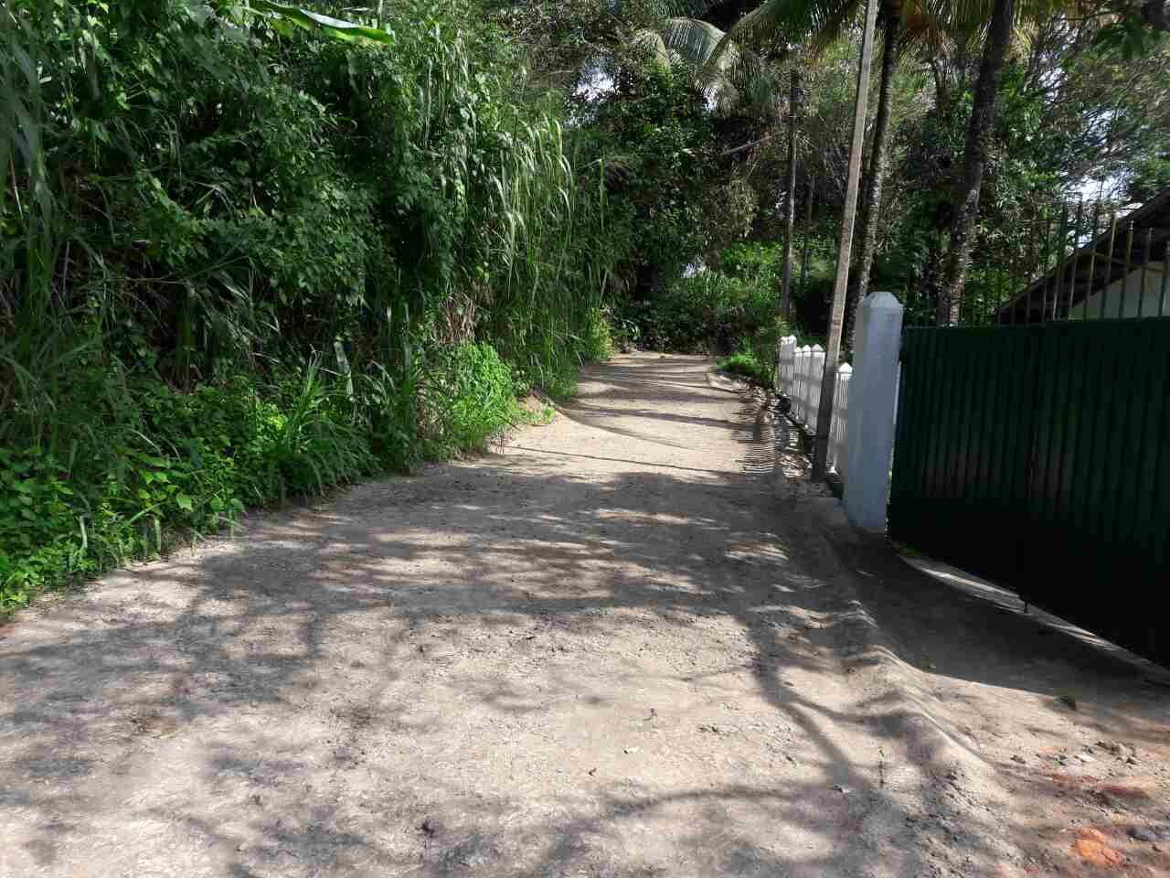 Kandy land entry lane  - Kandy Land for sale