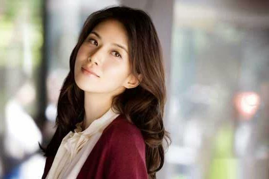 Profil Lee Bo Young