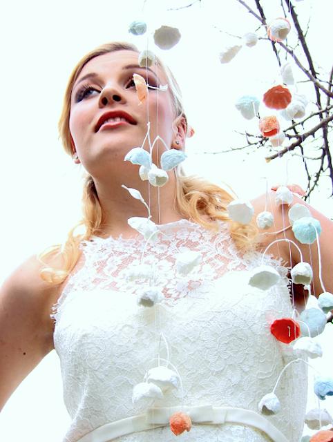 ghirlande di fiori di carta per matrimonio ecologico stile shabby