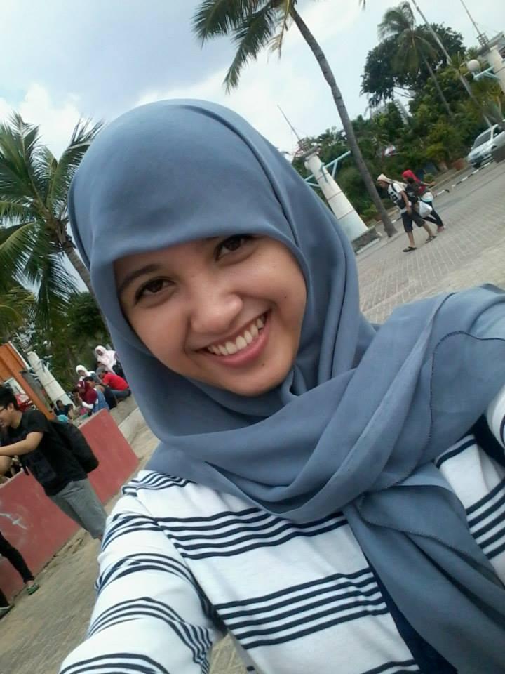 Cewek Hijiab Jilbab cantik Senyum.