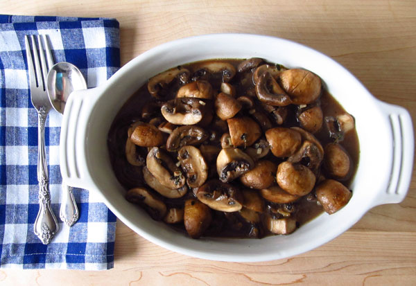 delicious vegetarian braised mushrooms