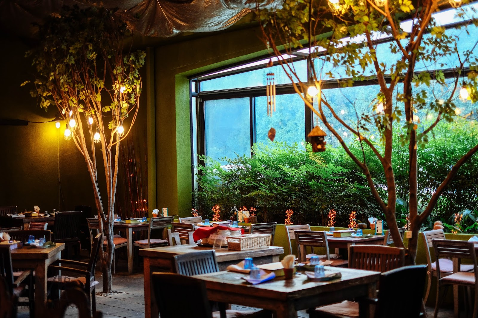 Garden concept restaurant eunice 39 s garden ggtour for Cuisine garden