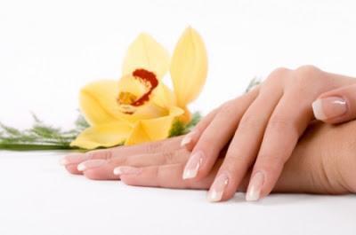 ricette cosmetiche naturali, trattamento mani, olio di cocco, cura delle mani