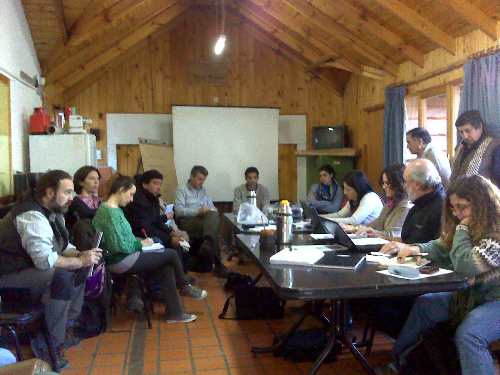 Patagonia andina forestal reuni n de la mesa coordinadora - Lacar una mesa ...