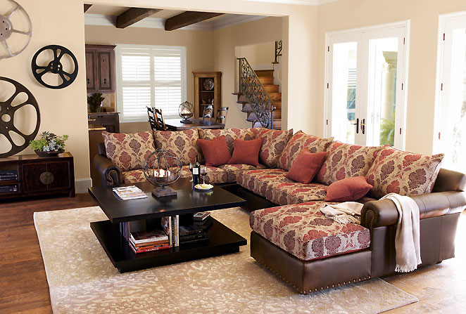 living room design with simple furniture and small living room design