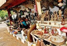 pedagang patung di jakarta