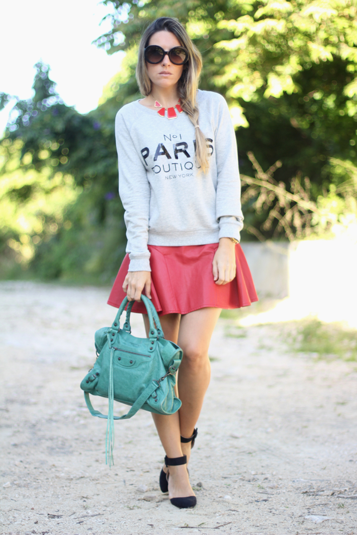 Mango Paris sweater by blogger Mónica Sors, from Mes Voyages à Paris