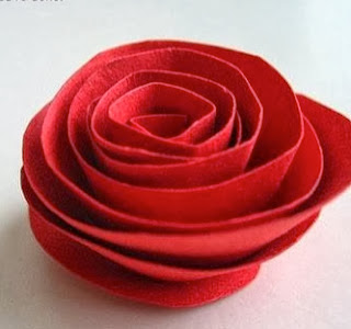 http://todiyornottodiy.blogspot.pt/2013/11/flores-de-papel.html