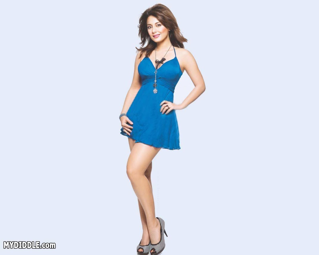 Minissha Lamba Hottest Wallpaper