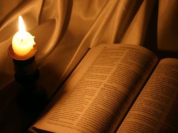 Leia a Palavra de Deus, pois nela há edificação e enriquecimento Espiritual.
