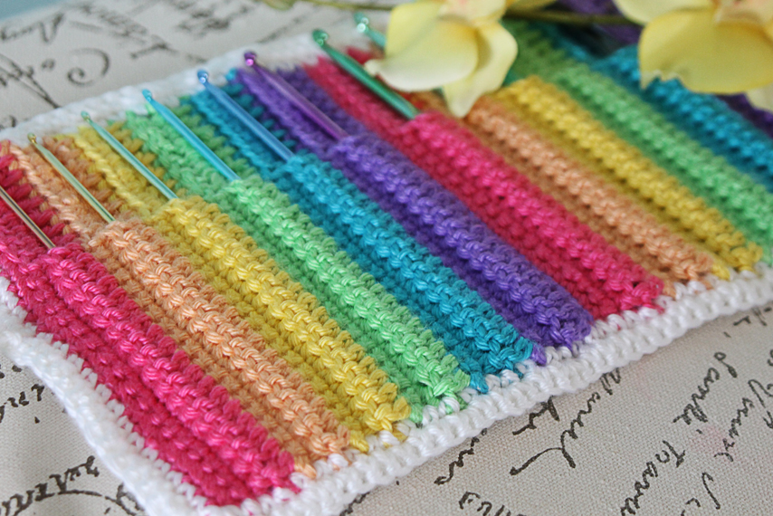 Livinginamethyst Crochet Hook Organizer Pattern