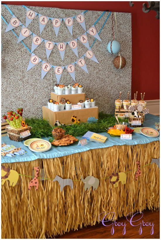 First birthday jungle decorations image inspiration of for Animal party decoration