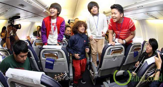 Konser di Pesawat