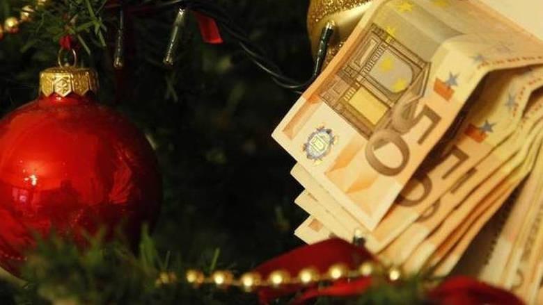 Άλλα κόλπα ~ Εργοδότες καταβάλλουν το δώρο Χριστουγέννων και μετά το παίρνουν πίσω!