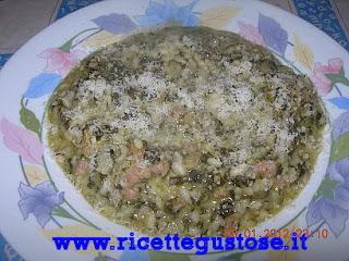 http://www.ricettegustose.it/Primi_risotti_1_html/Risotto_gustoso_cicoria_e_salsiccia.html