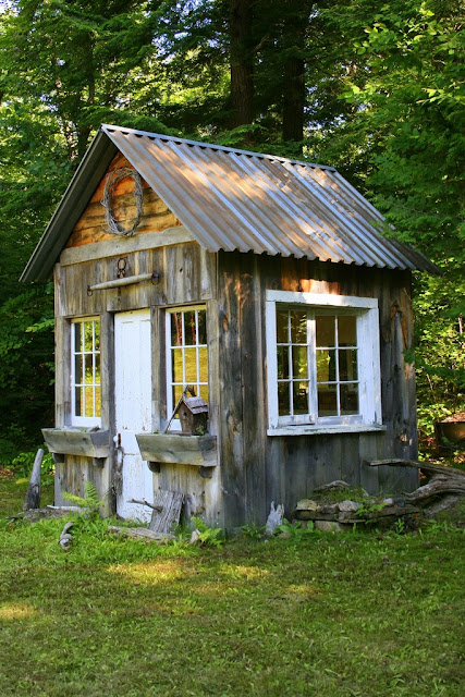 Lady anne 39 s cottage more charming garden sheds for Backyard cottage shed